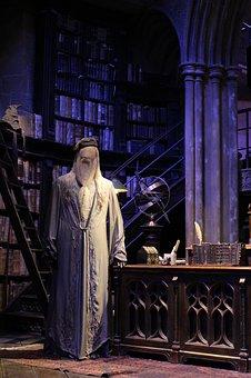 Reseña de Harry Potter y el libro de los personajes.
